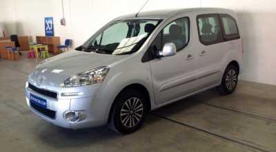 vehicle: cotxe Peugeot