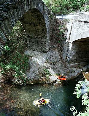 Kayaks: alquiler, excursiones, rutas y turismo Lleida